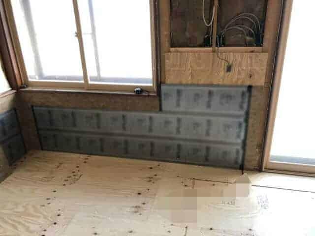 床暖房施工の様子